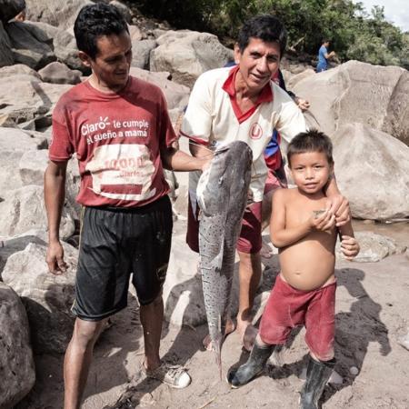 Se vende pescado fresco - Pérou - Annabelle Avril Photographie #9